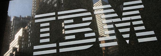 Enttäuschender Umsatzrückgang: IBM-Aktienkurs gerät unter Druck