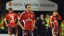 Ratlos: Joris Mathijsen und seine Kollegen nach dem Spiel gegen Fulham.