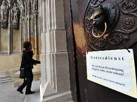 Einladung zum Sonntagsgottesdienst im Augsburger Dom.