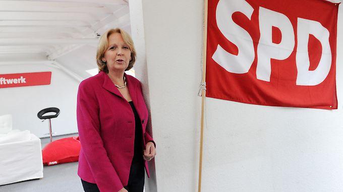 Hannelore Kraft steht trotz erneuter Stimmverluste wie die Gewinnerin da - weil Konkurrent Jürgen Rüttgers abstürzte.