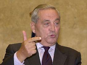 Karl Otto Pöhl (Archivbild von 2000) kritisiert EU und EZB scharf.