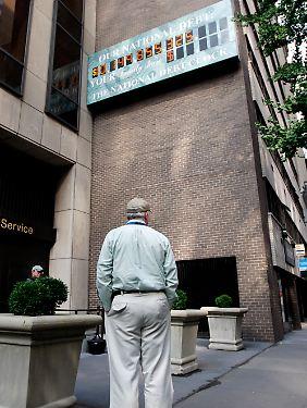 """Die """"National Debt Clock"""" am Times Square. 2008 musste eine Ziffer hinzugefügt werden."""