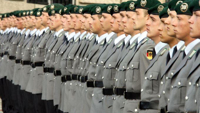 Bis zu 40.000 Soldaten weniger soll die Bundeswehr in Zukunft beschäftigen.