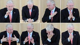 Die Bildkombo zeigt Koch während der Debatte im hessischen Landtag in Wiesbaden.