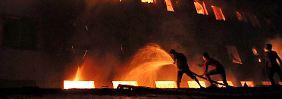 Feuer bei C&A-Zulieferer: Über 100 Tote in Textilfabrik