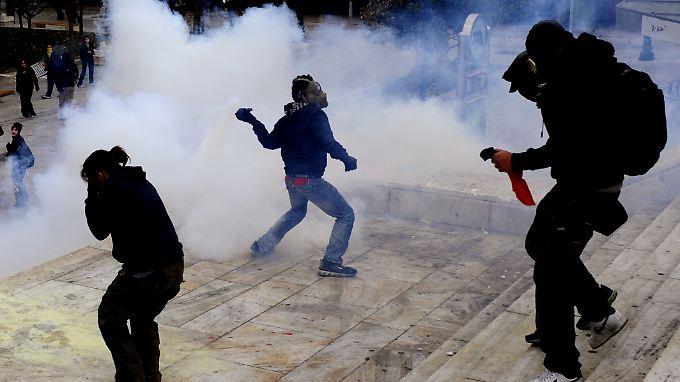 Proteste gegen die Sparmaßnahmen in Griechenland (Archivbild)