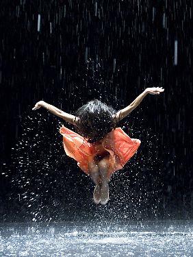 """Mit dem Tanzfilm """"Pina"""" ging Regisseur Wim Wenders neue Wege - erstmals in 3D. Belohnt wurde er mit einer Oscarnominierung."""