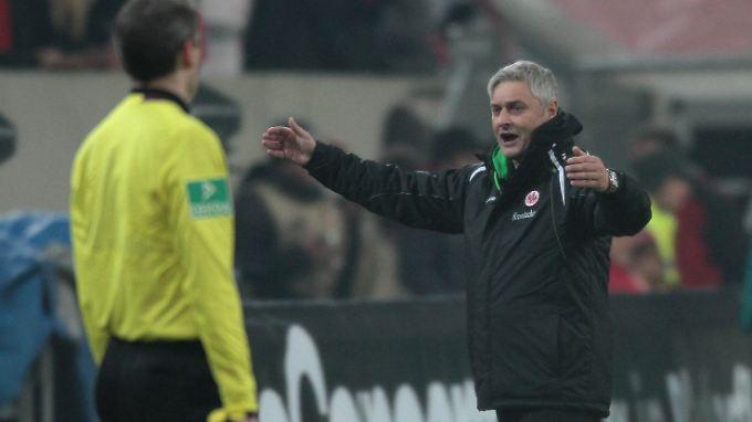 Armin Veh versteht die Fußball-Welt nicht mehr.