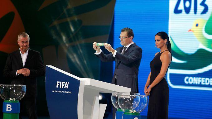 Fifa-Generalsekretär Jérôme Valcke, der die Auslosung leitete, verlor zwischenzeitlich den Überblick.