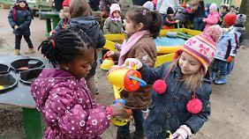 Immer mehr Kinder verbringen einen Teil des Tages in einer Betreuungseinrichtung.