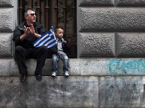 Nicht nur die Griechen, die Europäer harren der Dinge, die da noch kommen mögen.
