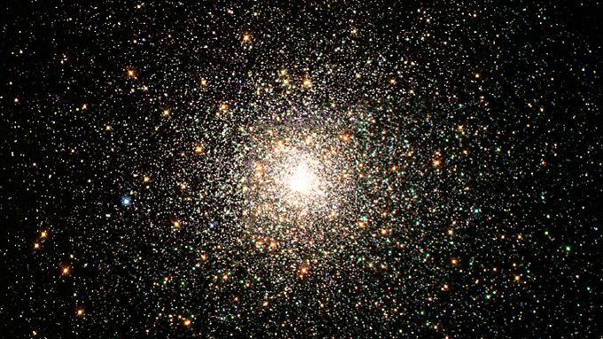 Astronomen entdeckten den Protostern L1527 IRS im Sternbild Stier.