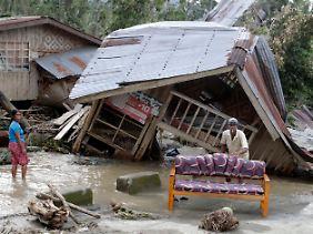 Viele Menschen auf den Philippinen stehen vor den Trümmern ihrer Existenz.