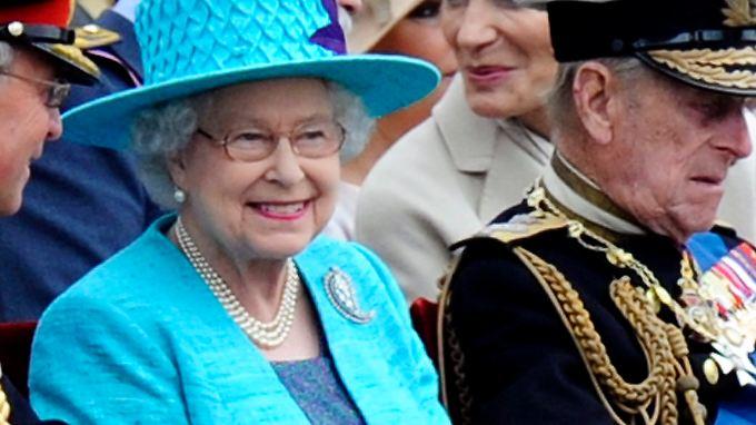 Die Krankenschwester glaube, die Königin selbst am Telefon zu haben und berichtete von Kates Genesung.