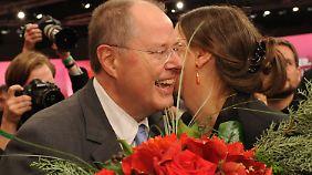 Kanzlerkandidatur offiziell: Steinbrück stimmt SPD auf Wahlkampf ein