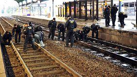Bombe oder Attrappe am Bahnhof Bonn?: Experten rätseln über Taschen-Inhalt