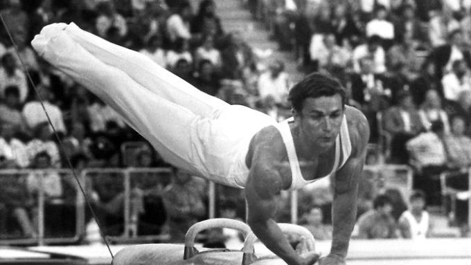 Klaus Köste, aufgenommen während seiner Kür am Seitpferd bei den Olympischen Sommerspiele 1972. Beim Pferdsprung holte er in München Gold.