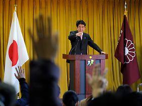Shinzo Abe will viel Geld, sofort.