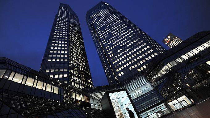 Ein Mailänder Gericht hat die Deutsche Bank und andere Banken wegen schwerem Betrug beim Verkauf von verlustreichen Zinswetten an die Stadt verurteilt.