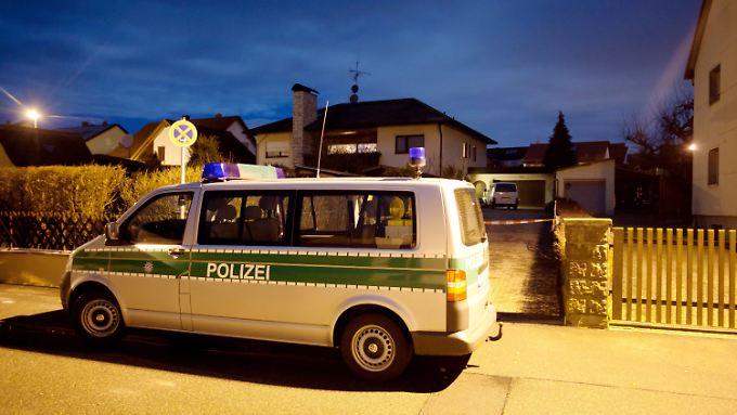 Vor dem Haus der Familie in Weisendorf.