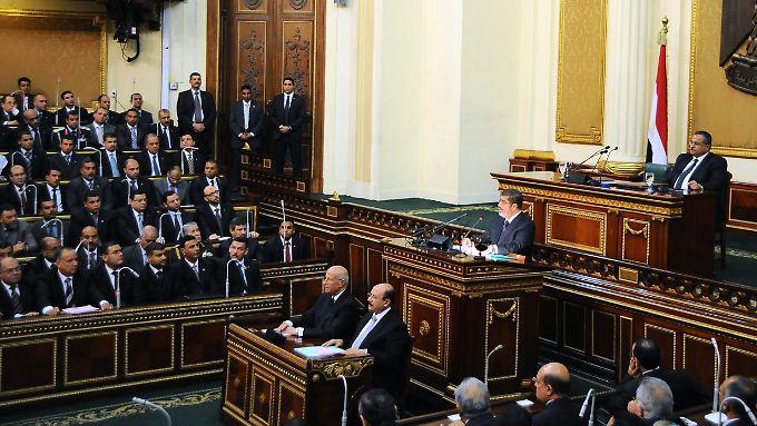 Mohammed Mursi vor dem Schura-Rat