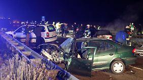 Insgesamt waren zwölf Autos in den Unfall verwickelt.