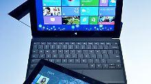 Das neue Windows 8 wird nicht so schnell angenommen wie die Vorgänger, behaupten Marktforscher. Microsoft widerspricht.