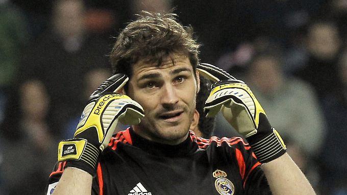 Jüngstes Mourinho-Opfer: Real-Torwart Iker Casillas. Was sein Coach bedenken sollte: Casillas hat schon 13 Real-Trainer kommen und gehen sehen.