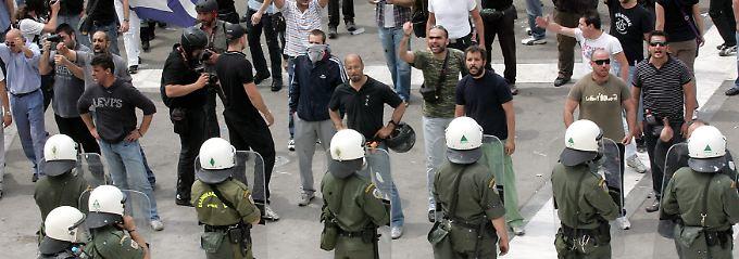 Im Sommer kam es wiederholt zu schweren Ausschreitungen in Athen.