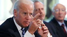 Biden macht den Vertretern der Waffenlobby klar, dass man nur noch ein kleines Stück von Verboten entfernt sei, wenn es keine Zusammenarbeit gebe.