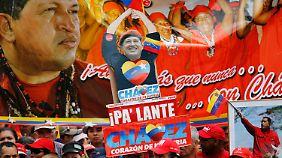 """Zehntausende """"Chavistas"""" demonstrierten für ihr Idol und wünschten ihm ein langes Leben."""
