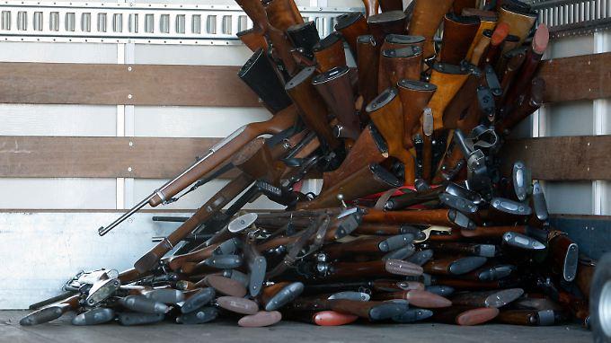 Auch Tode durch Schusswaffen drückt die Lebenserwartung in den USA.