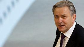 Misstrauensvotum überlebt: Wowereit darf weiter regieren