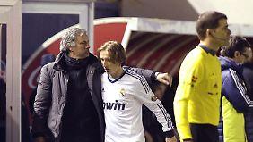 Madrids umstrittenem Starcoach Jose Mourinho fehlten nach dem blamablen 0:0 die Worte.