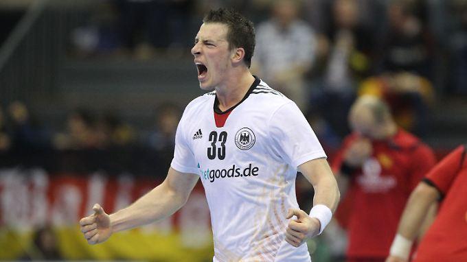Goalgetter Dominik Klein: Angstgener Montenegro bezwungen, WM-Achtelfinale gesichert - da muss die Freude raus.