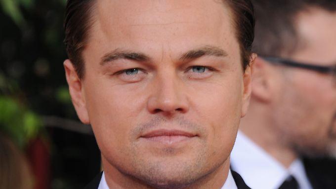Leonardo DiCaprio ist fertig: erst das vele Drehen, dann auch noch Interviews, Filmfestivals, Preisverleihungen ... wie hier bei den Golden Globes am 13. Januar 2013.