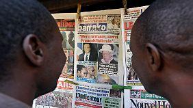 """""""Danke Frankreich, Danke Präsident Hollande"""", heißt es auf dem Titelblatt dieser Zeitung in Bamako."""