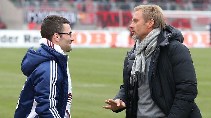 Trainer unter sich: Michael Wiesinger (links) und Thorsten Fink.