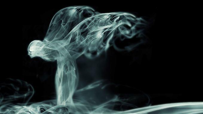Noch liegt der Rolls Royce Wraith im Nebel. Versprochen werden aber Superlative für das neue Modell.