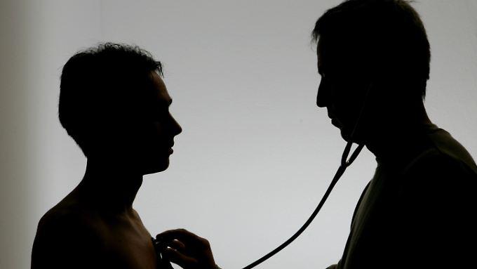 Der Placebo-Effekt kann Forschern zufolge Patienten heilen.