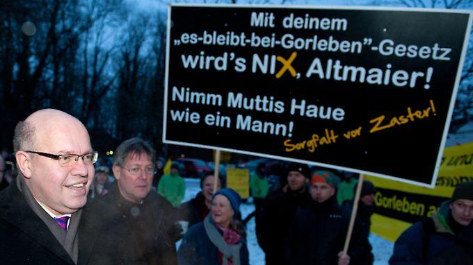 Altmaier debattierte in Lüchow mit Vertretern von Bürgerinitiativen und Kirche, mit Kommunalpolitikern und Bürgern.