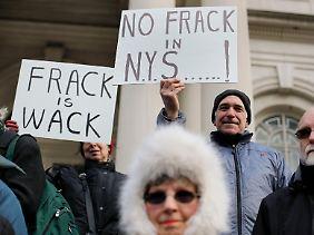 Gegner der Fracking-Methode warnen davor, Schiefergasvorkommen anzuzapfen.