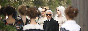 Haute Couture in Paris: Lagerfeld sorgt für Aufsehen