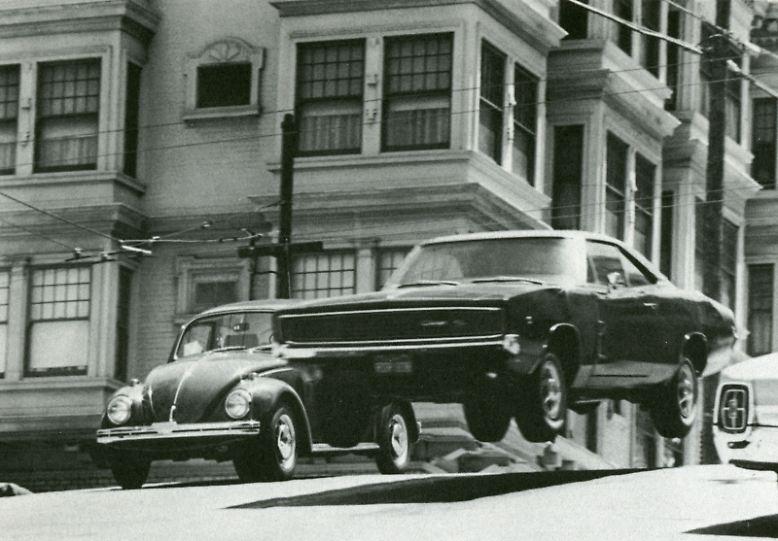 ... gegen einen Dodge Charger. In dem 1968 gedrehten Film sind Dialoge karg gestreut, ...