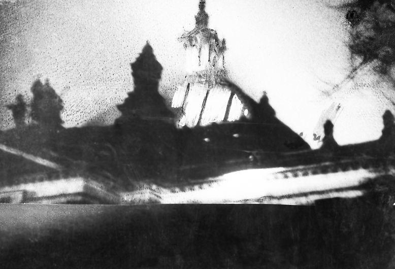 In der Nacht vom 27. auf den 28. Februar steht der Berliner Reichstag in Flammen. Innerhalb eines Jahres höhlen die Nazis die Demokratie aus und legen den Grundstein für das, ...