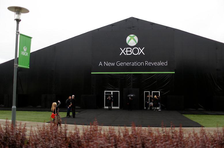 Microsoft rief nach Redmond und stellte die Hardware vor, die der Konsolenkonkurrenz das Fürchten lehren soll.