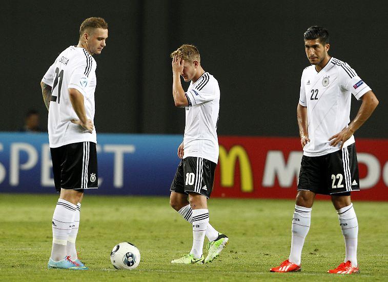 Als für die deutschen Fußball-Junioren alles vorbei war bei der U21-EM, machte Kapitän Lewis Holtby sich und seinen deprimierten Mitspielern Mut.