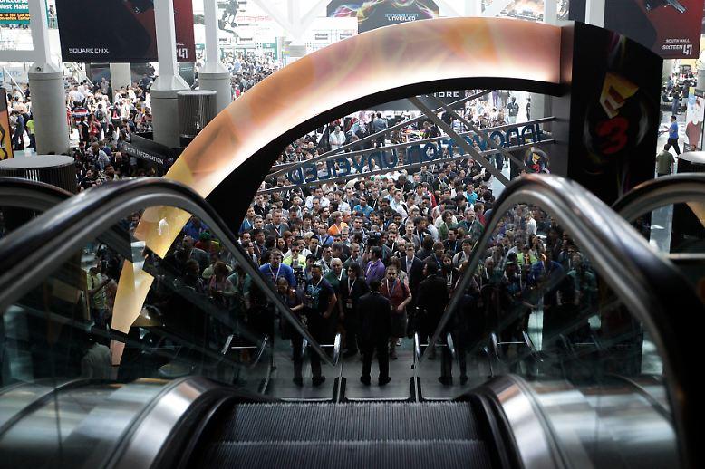 Die Electronic Entertainment Expo, kurz E3, ist ein Publikumsmagnet, zu dem jeden Juni Zehntausende Computerspiele-Fans nach Los Angeles strömen.