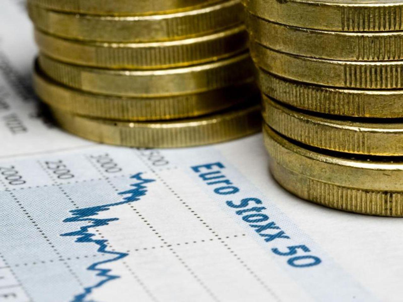 Wer heutzutage Geld anlegen will, hat unendlich viele Möglichkeiten: Aktien, Fonds, Immobilien oder Zinsprodukte wie das Sparbuch, Anleihen, Tagesgeld oder Festgeld.