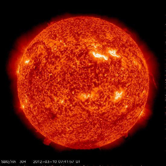 Dass Sterne einzeln unterwegs sind, wie etwa unsere Sonne, ist ein eher seltenes Phänomen. Denn eigentlich sind ...